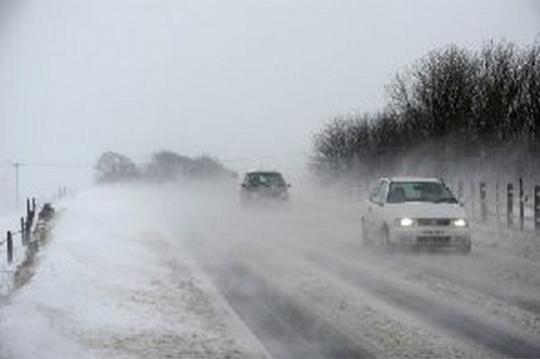 Britain Hit by Heavy Spring Snowfall
