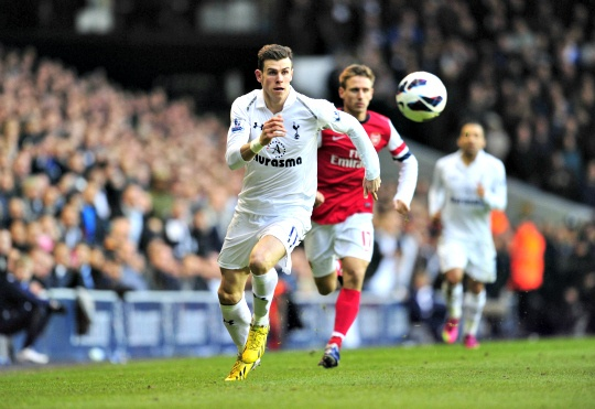 Bale Helps Spurs Beat Arsenal 2-1