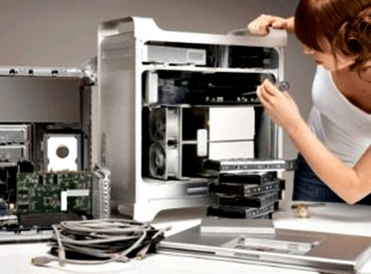 Shift in Startup and Tech World from Software to Hardware