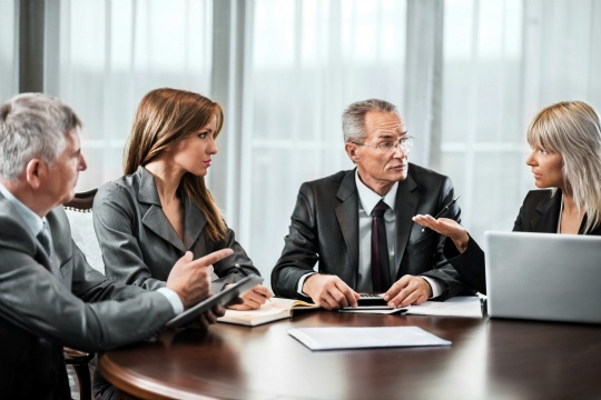 How Much to Confide in Your Colleagues
