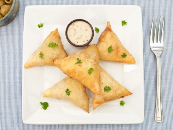 Healthy Snack Recipe: Spinach And Ricotta Triangles