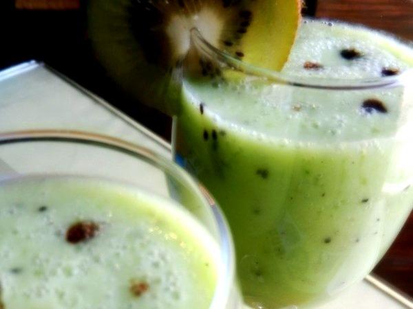 Healthy Smoothie Recipe: Kiwi And Banana Shake