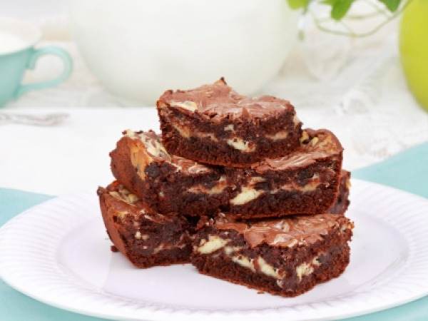 Mother's Day Special: Fudgy Cream Cheese Brownie
