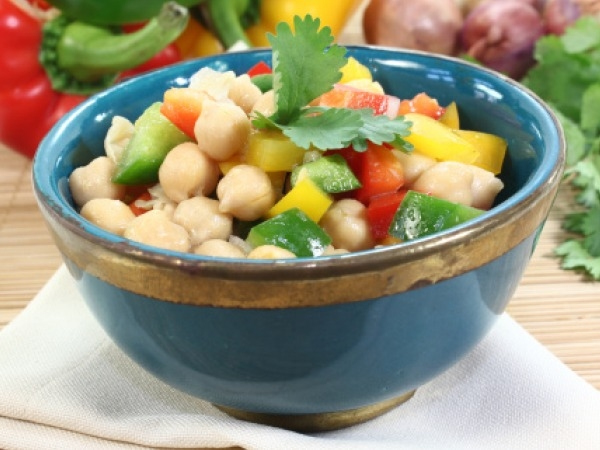 Healthy Snack Recipe For Bachelors: Minty Chickpea Salad