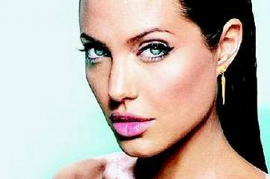 Post Surgery, Topless Jolie Art to be Auctioned