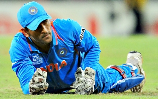 Dhoni in Legal Trouble for Vishnu Act