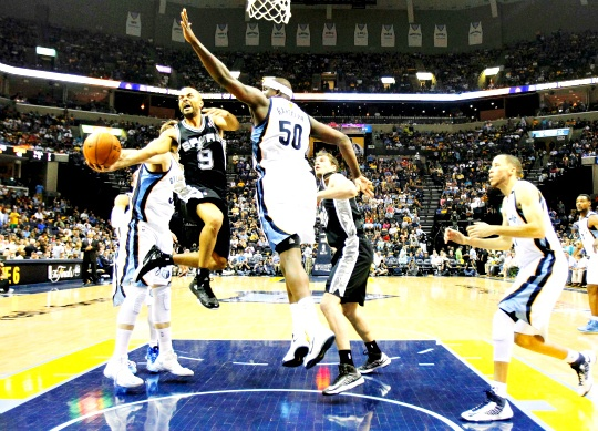 Spurs Overcome Grizzlies in Overtime