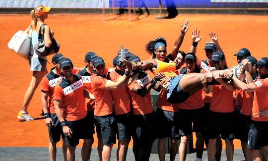 Serena Beats Maria to Win Madrid Open