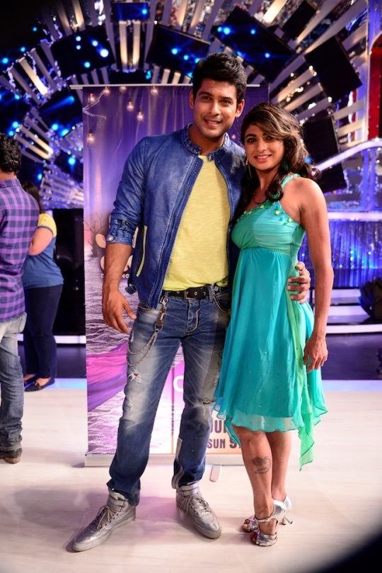 Sidharth Shukla with his choreographer Sonia.JPGSidharth Shukla with his choreographer Sonia