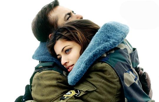 Salman Khan, Sneha Ullal in Lucky: No Time For Love