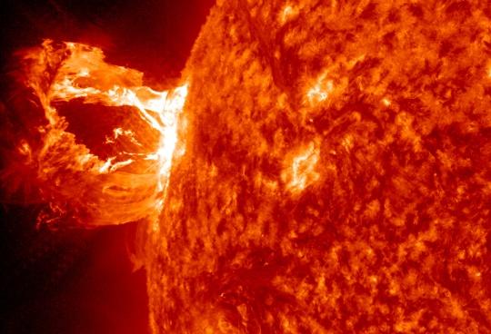 Sun Shoots Solar Flares into Space