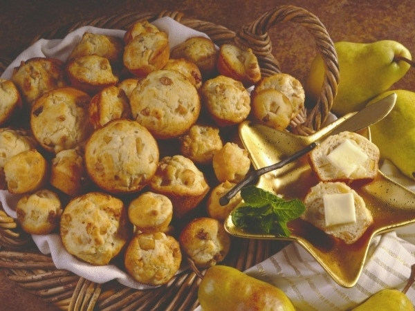 Healthy Dessert Recipes: Bartlett Pear Muffins