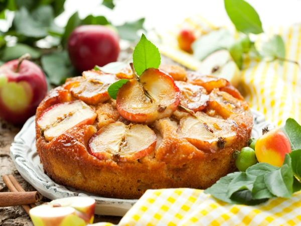 Healthy Apple And Coconut Cake Recipe