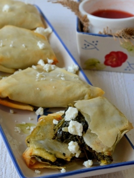 Healthy Snack Recipes: Baked Palak Samosa Recipe