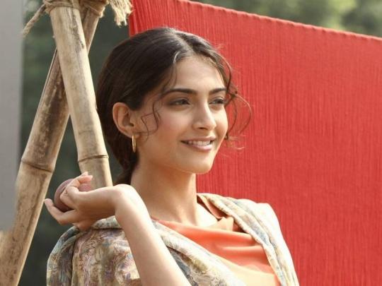 Sonam Kapoor in Bhaag Milkha Bhaag