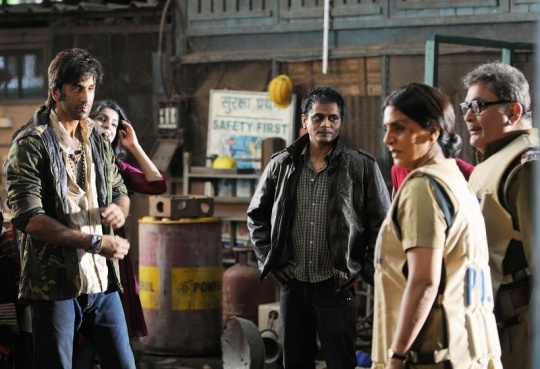 Ranbir Kapoor, Rishi Kapoor, Neetu Kapoor on the sets of Besharam
