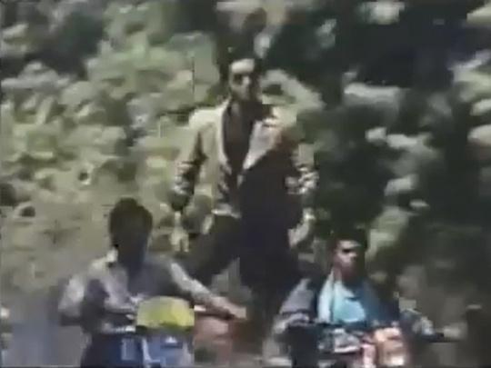 Ajay Devgn in Phool Aur Kante