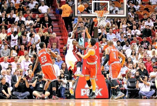LeBron Helps Heat Beat Bucks 118-95