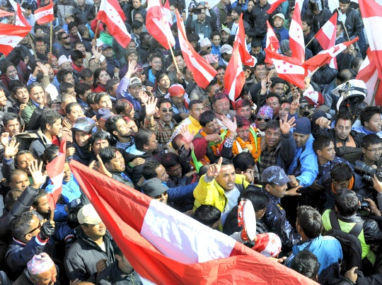 Nepal Vote Likely to End in Coalition