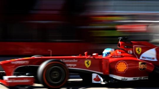 Vettel, Webber On Top At Fog-hit Austin