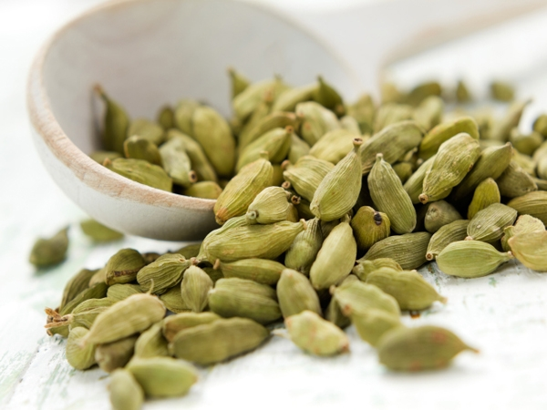 Food Basics: Health Benefits Of Cardamom (Elaichi)