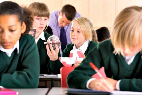 UK School Bans Students From Using Slang Words