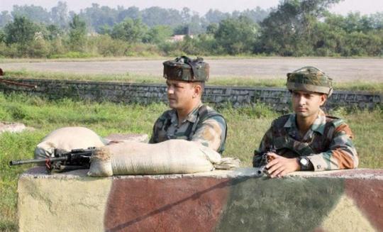 Indian Soldiers Keep Vigil in Jammu