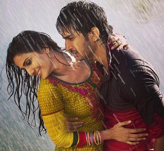 Sushant Singh Rajput with Vaani Kapoor in Shuddh Desi Romance