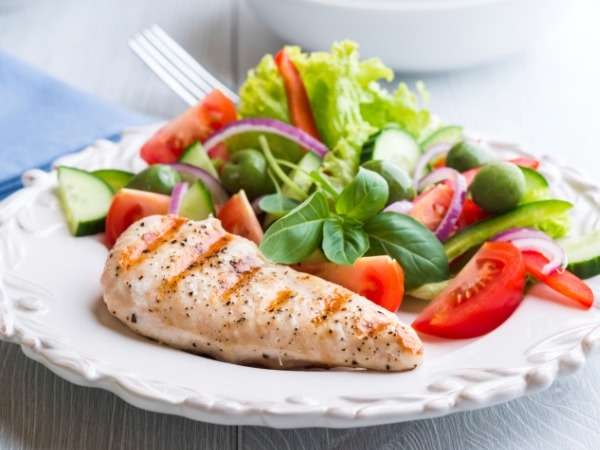 You Ask, We Answer: Paleo Or Plant Based Diet?