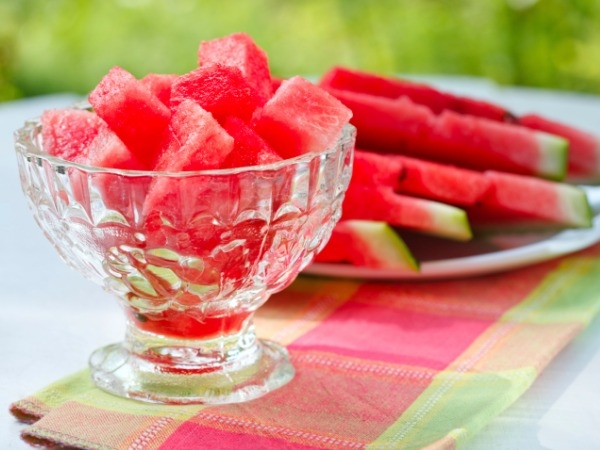 Fun Salad Recipes with Fruits to Detox and Cool Down
