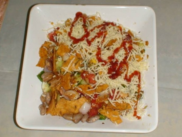 Nachos And Salsa With An Indian Twist