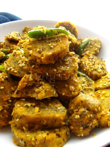 Healthy Snack: Spinach Muthiya Recipe