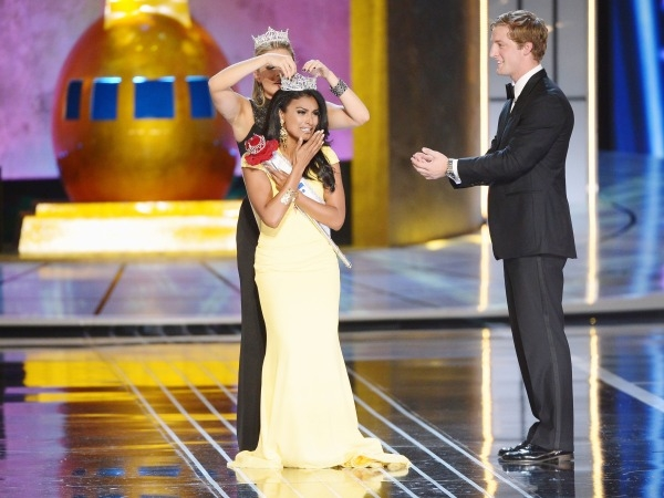 Indian-Origin Beauty Crowned Miss America, India Reacts