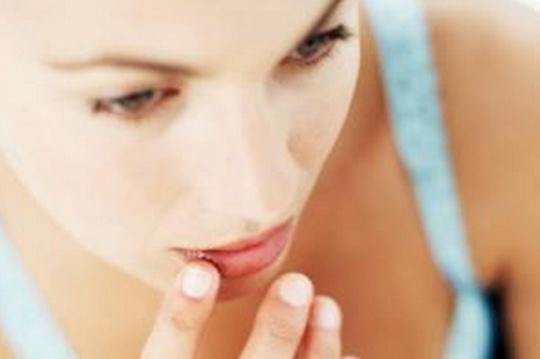 4 Benefits of Using Lip Balm