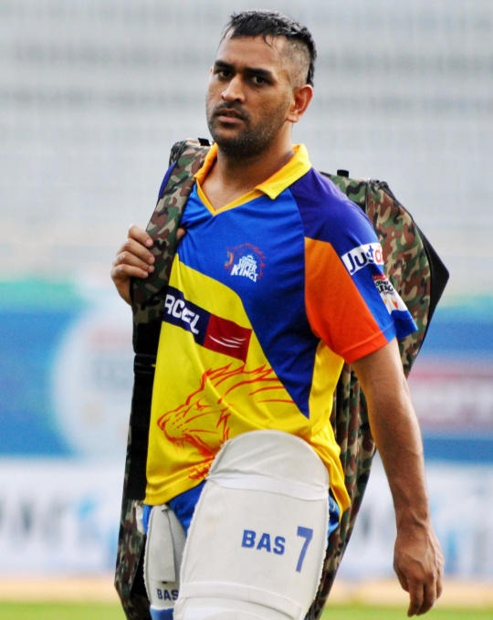 Dhoni Plays Soccer, Scores Once
