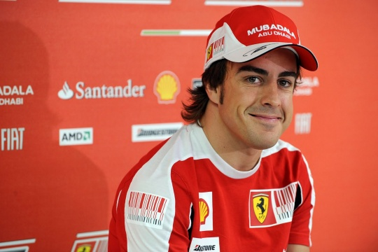 Alonso Brushes Off McLaren Interest