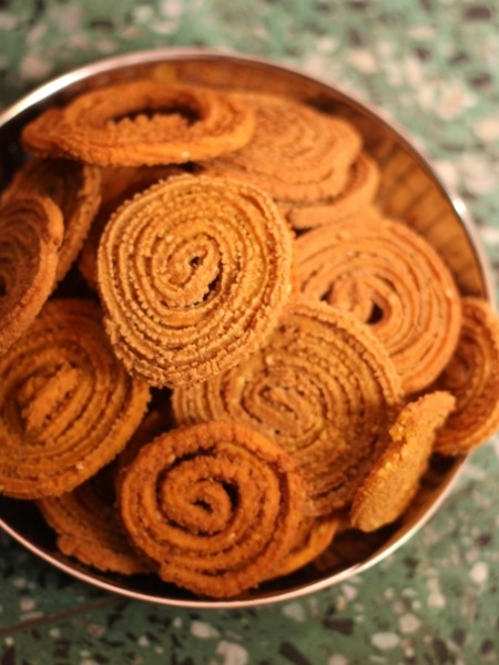 Evening Snack Idea: Baked Bhajanee Chakli Recipe