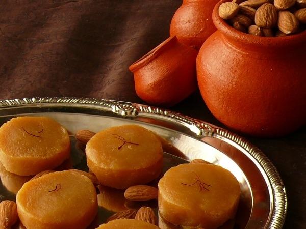Indian Dessert: Kesar Malai Peda Recipe