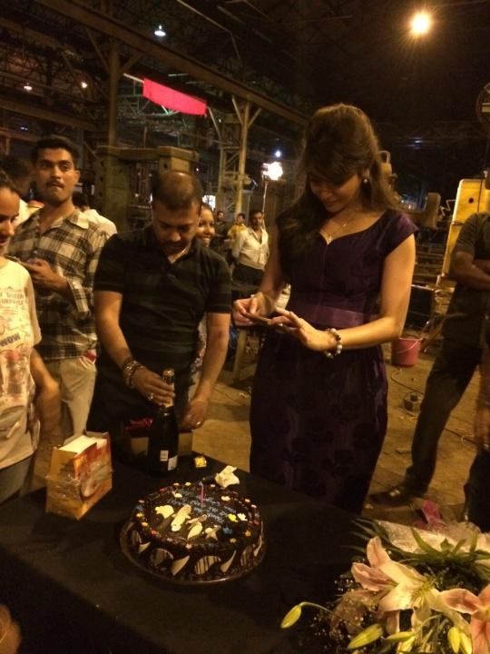 Anushka Sharma on Bombay Velvet sets