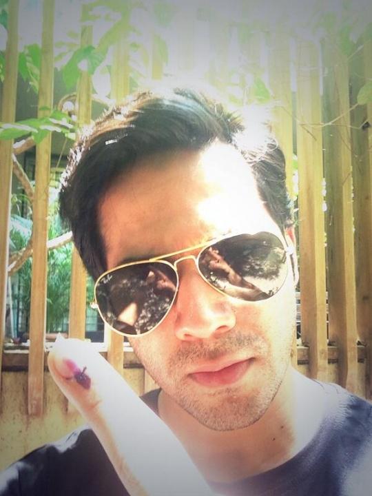 Varun Dhawan votes