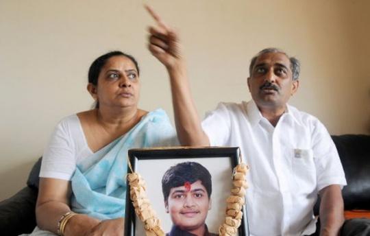 Dhaval Lodaya