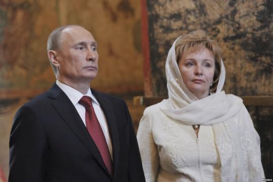 Putin Officially Divorces Wife Lyudmila