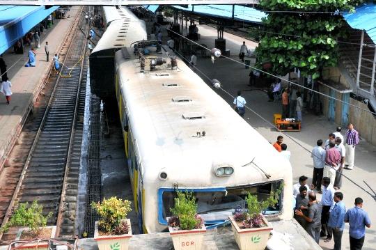Trains Collide Head-On in Sri Lanka; 68 Injured