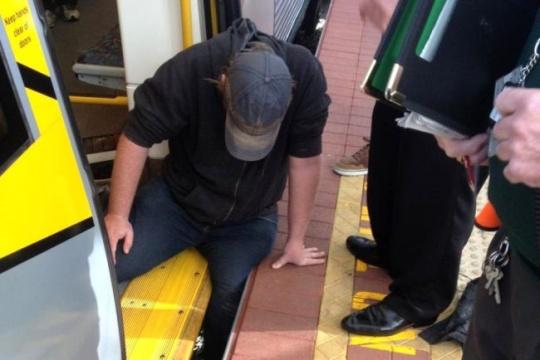 Man got his leg trapped in gap