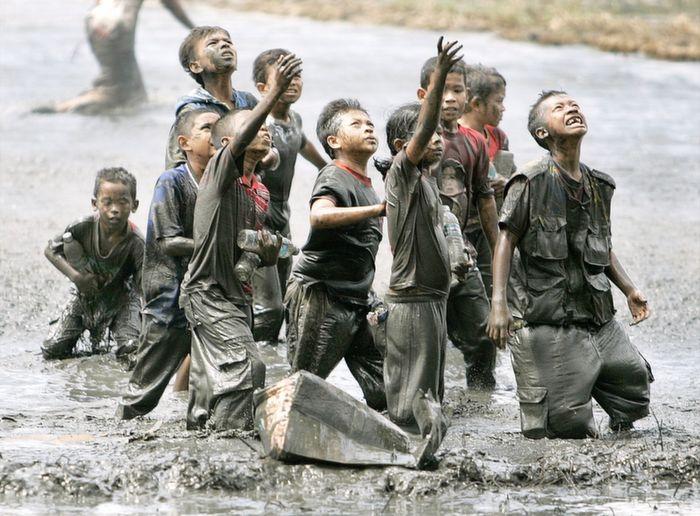 tsunami survivors indonesia