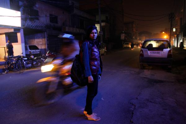 girl in delhi night time