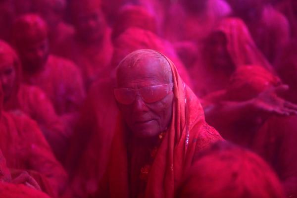 holi crazy cool guy india