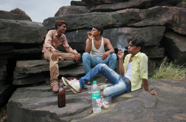 smoking kids india