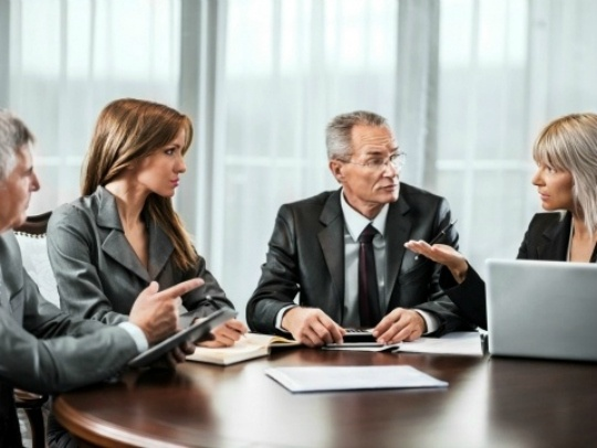 How to Manage Reporting to Multiple Bosses
