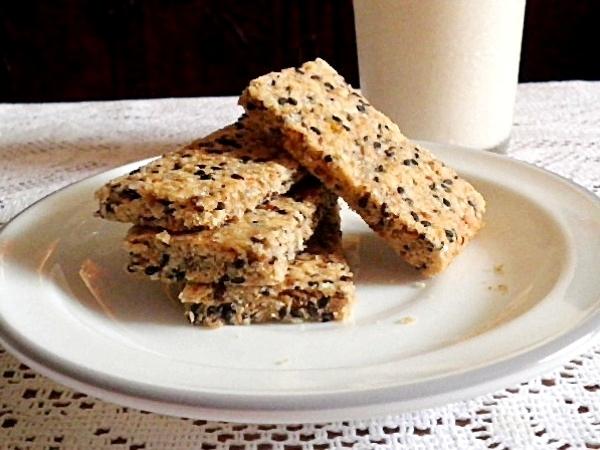 Healthy Oats Recipe: Oats Semolina Squares
